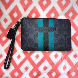 Coach corner zip wristlet new with tags